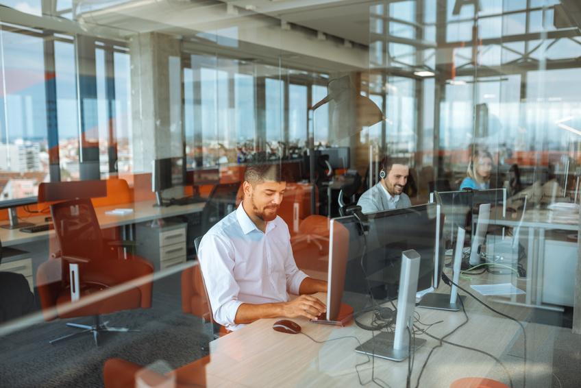 le-digital-learning-est-devenu-indispensable-dans-la-formation-à-la-relation-client-chez-bluelink
